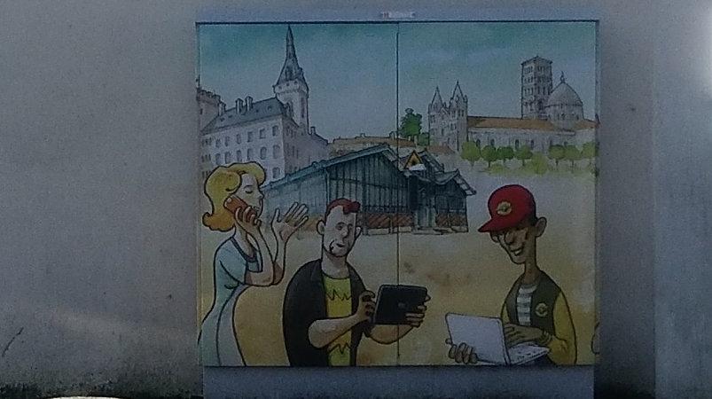 Street art, 103 Rue de Saintes, Angoulême, France